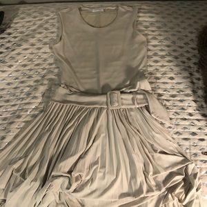 Off White Marilyn Manroe plead form fitting dress